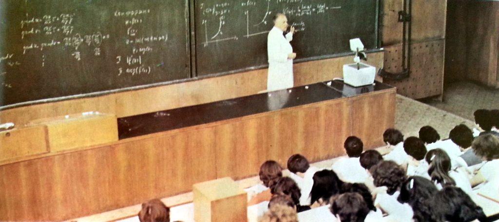 classroom-history-2